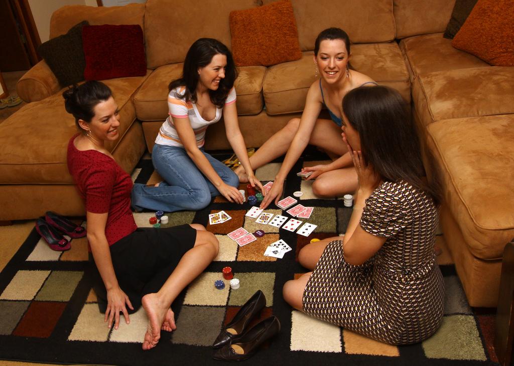 Фото на раздевание с друзьями